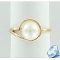Золотое кольцо с жемчугом