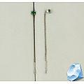 Серьги-протяжки из серебра c зелеными фианитами