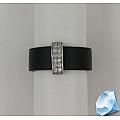 Кольцо из каучука со вставкой из серебра